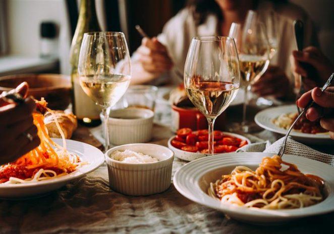Bogata vinska karta domaćih vinara u Valfresco Direkt ponudi