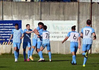 Nogometaši Jadrana sutra u derbiju protiv Novigrada