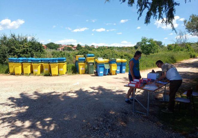Usluga Poreč podijelila više od 7000 individualnih spremnika za selektivni otpad
