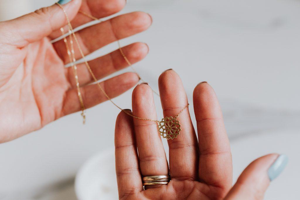 Evo kako brzo i lako do gotovine – otkup zlata u Auro Domusu