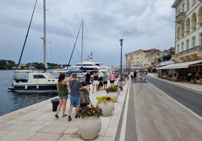 U Hrvatskoj padaju turistički rekordi: U ponedjeljak preko 800.000 gostiju u zemlji