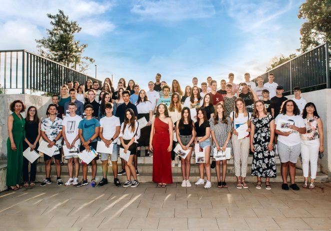 Oproštaj s generacijom i svečana dodjela nagrada i svjedodžbi za učenike osmih razreda Osnovne škole Finida