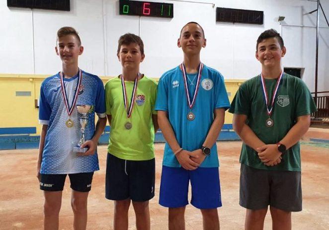 Roko Jukić, mladi boćar Istre Poreč, osvojio je brončanu medalju na kadetskom prvenstvu Hrvatske