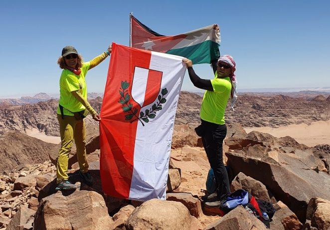 Kemal Pršeš iz Poreča, Vesna Dapinguente i Vladimir Majerić iz Rovinja razvili zastavu Poreča na najvišem  vrhu Jordana