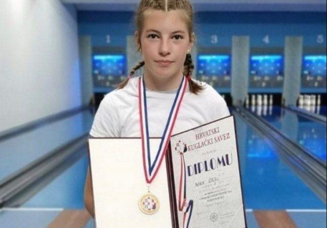 Kuglanje: Nika Štetić Državna kadetska prvakinja