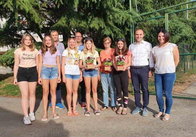 Prijem za kuglačice Niku Štetić i Ninu Gašparini, državne kadetske prvakinje
