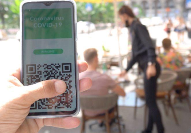 U Berlinu i Beču nitko ne radi problem oko COVID potvrda za restorane. Provjera traje par sekundi i sve funkcionira normalno
