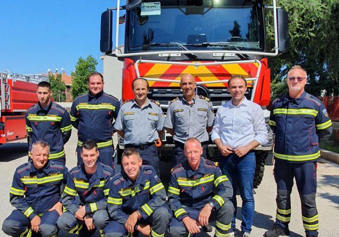 Javna vatrogasna postrojba Poreč dobila novo interventno vozilo