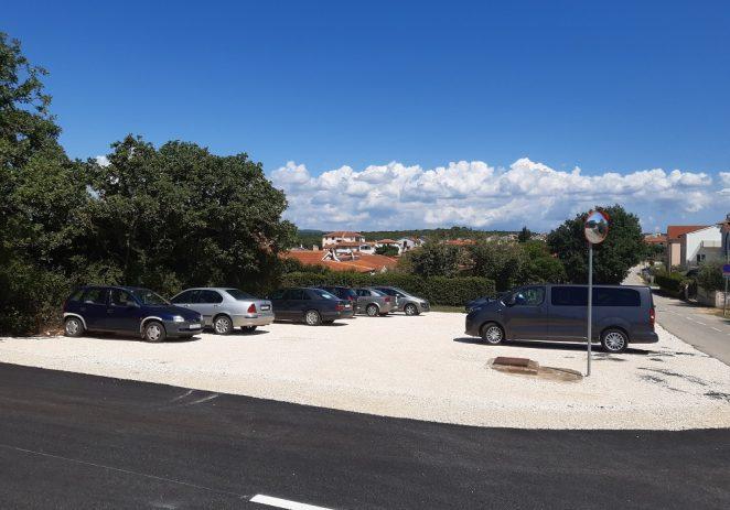 U Varvarima asfaltirana nova parking površina i ulica prema kućnom broju 122  u ulici Piantade
