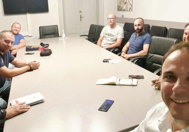 U sklopu izrade proračuna za 2022. godinu gradonačelnik sa suradnicima u obilasku mjesnih odbora Veli Maj, Mate Balota i Anke Butorac