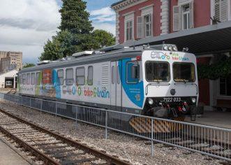 Predstavljen novouređeni vlak, koji omogućuje prijevoz bicikala na relaciji Pula – Buzet,