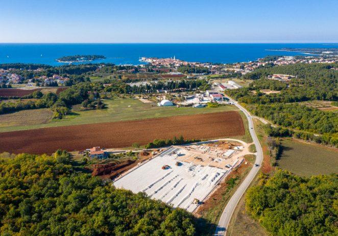 Izgradnja nogometnog kampusa iznad Žatike u Poreču napreduje po planu